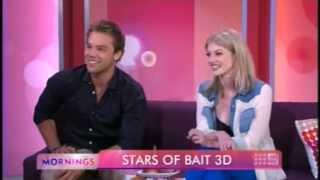 Кариба Хейн, Кариба Хейн и ее коллега по фильму «Bait 3D» Линкольн Льюис, посетили утреннее шоу «Hot30 Countdown»