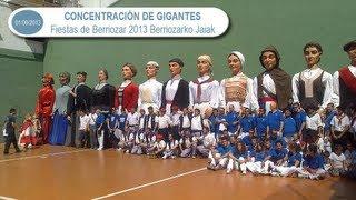preview picture of video 'Concentración gigantes Fiestas Berriozar 2013 Berriozarko Jaiak'