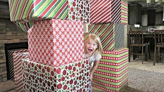 CHRISTMAS PRESENT BOX FORT!
