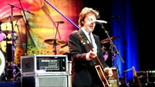 Paul McCartney Sings Birthday to Ringo Starr, Live