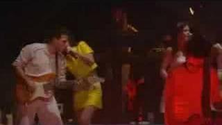 Alizée - C'est Trop Tard (Live - En Concert 2004)