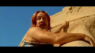 Asterix i Obelix Misja Kleopatra Obelix dewastuje sfinksa