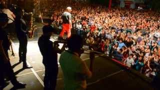 preview picture of video 'Baila para mi + La Mosca en Vivo'