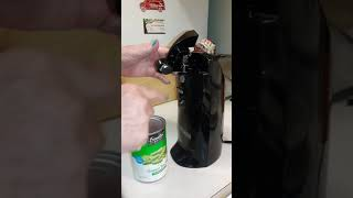 How to use an electric can opener