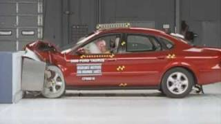 2000 Ford Taurus moderate overlap IIHS crash test