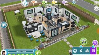 Have 3 sims in a house - the Sims freeplay 😸