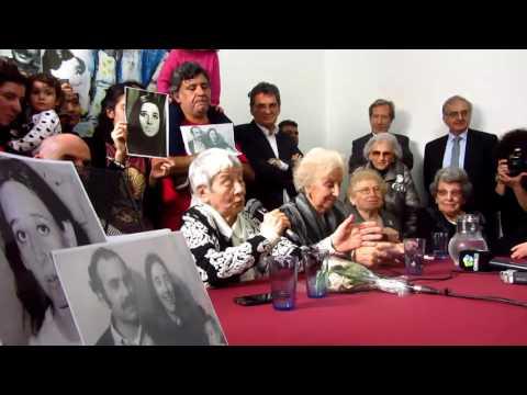 """<p>Conferencia de prensa donde se anuncia el encuentro del nieto 121, hijo de Ana María Lanzillotto y de Domingo """"El Gringo"""" Menna, ambos cuadros del Partido Revolucionario de los Trabajadores (PRT) y del Ejército Revolucionario del Pueblo (ERP). <br style=""""color: rgb(51, 51, 51); font-family: Roboto, arial, sans-serif; font-size: 13px; background-color: rgb(246, 246, 246);"""">De la conferencia participó Alba Lanzillotto, integrante durante más de 25 años de Abuelas de Plaza de Mayo y única tía que formó parte de la Comisión Directiva y el hermano Ramiro Menna. </p>"""