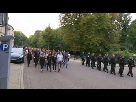 Διαδηλώσεις κατά των μεταναστών στο Κέτθεν της Γερμανίας…