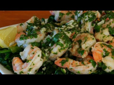 Video Spicy Garlic Shrimp Over Spinach