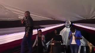 Wakhazimula uJesu by Mwezi Joyi