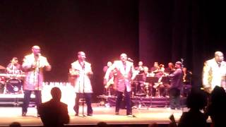 The Temptations Dancing to Ain't To Proud to Beg