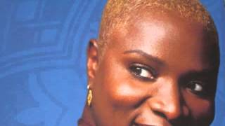 PEARLS    ANGELIQUE KIDJO