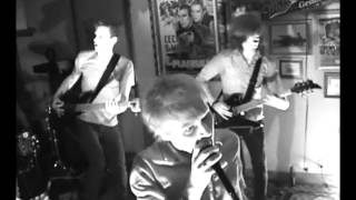 The Faint - Agenda Suicide (Live at The Brothers Lounge 2001)