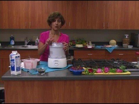 Video Ice Cream Maker Recipes: Strawberry Ice Cream