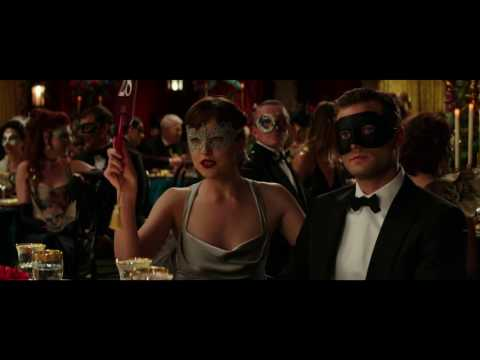 Fifty Shades Darker (Clip 'Ana Bids On a Ski Trip')