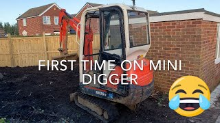 Mini Digger at Home First time with a Kubota 1.5T DIY at Home Part 1