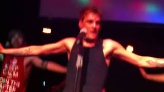 Aaron Carter performing BOUNCE/I Would/Iko Iko/To All The G