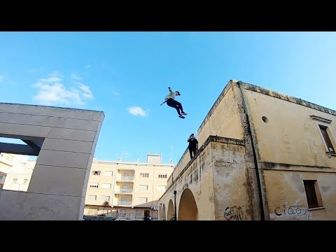 parkour-vs-racing-drone-