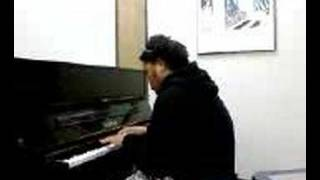 Vi Evile playing the piano: 2Pac i ain't  mad at you