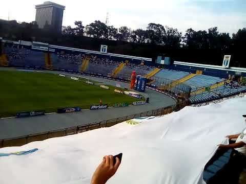 """Recibimiento Clásico 302 Comunicaciones vs Municipal"" Barra: Vltra Svr • Club: Comunicaciones"