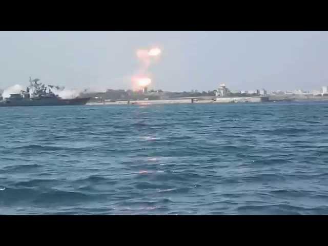 انفجار صاروخ خلال عرض عسكري روسي