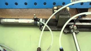 preview picture of video 'Automatització 7 - CFGM Mecanització - INS Manolo Hugué - Caldes de Montbui (Barcelona)'