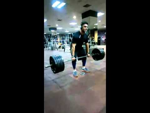 Personal Trainer Kunal Gir explaining the right way to do Deadlifts