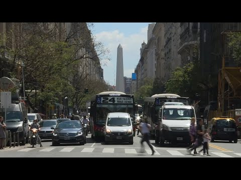Download Argentina puso en marcha su plan para salir de su peor crisis desde 2001 | AFP Mp4 HD Video and MP3
