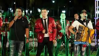 La Decima Banda Ft. Los Nuevos Ilegales - Rafael Car0 Quinter0 (En Vivo 2018)
