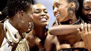 MAMA AFRICA - AKON
