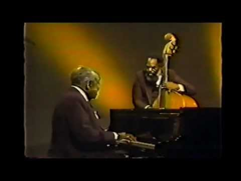 Ella Fitzgerald and Count Basie - Honeysuckle Rose - 1979