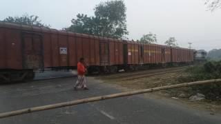 preview picture of video 'দর্শনা থেকে ভারতের পথে।'
