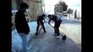 preview picture of video 'جوالة فوج خربة روحا من مفوضية البقاع تكسر طبقة الجليد'