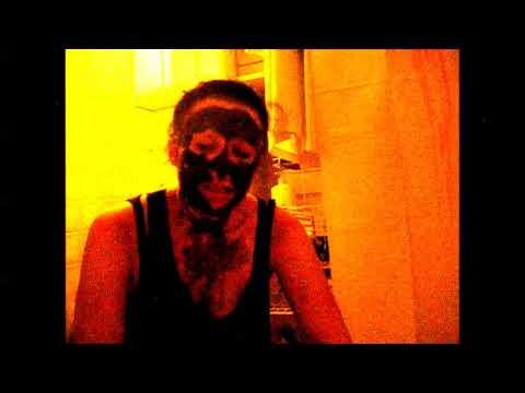 Die Zeit die Masken auf die Person aufzutragen