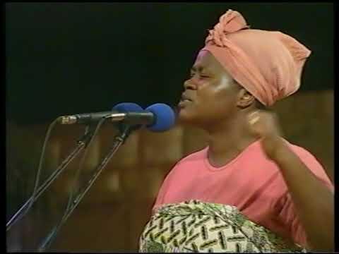akrobeto, mercy asiedu and nkomode kristo asafo concert party--wodi abro aa ebi kawo