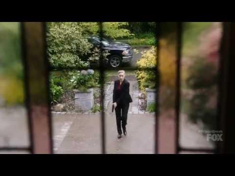 Prison Break season 5 episode 1 Sara Tancredi getting attacked