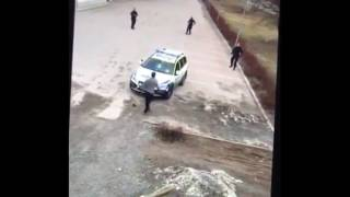 5 Female Cops vs 1 Refugee