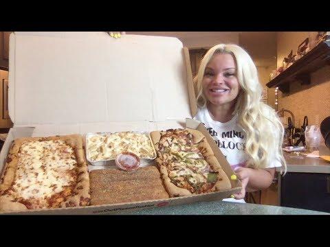 TRYING PIZZA HUT'S BIG DINNER BOX !