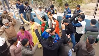 गढ़वाली बैंड की जोरदार जबरदस्त ताल   Latest Garhwali Band Baja Dance 2018   Garhwali Marriage Dance