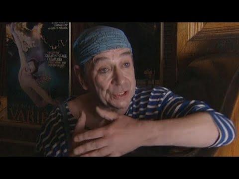 Αποχαιρετισμός στον Πιερότο του χορού Λίντσεϊ Κεμπ