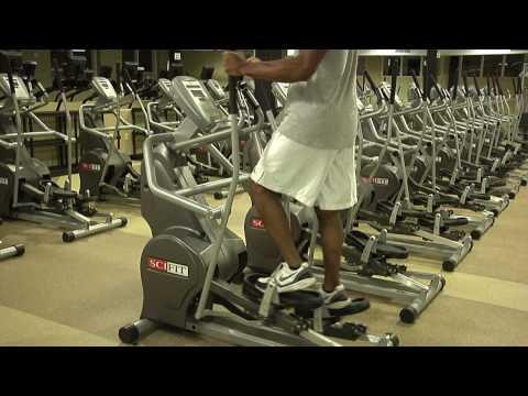 Retirer le spasme des muscles dans le service chejno-de poitrine de lépine dorsale