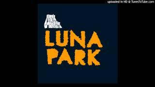 2. Arctic Monkeys - Sandtrap (en vivo Luna Park)