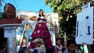 preview picture of video 'Yoselin Moreno Barrio Analco * Desfiles del correo 2014 Zacatecoluca'