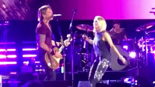Keith Urban & Carrie Underwood  The Fighter (live)