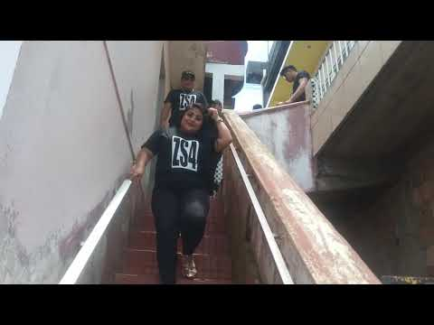Banda ZS4 saindo do hotel em Alvarães-Am