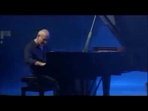 Divenire (2006) (Song) by Ludovico Einaudi