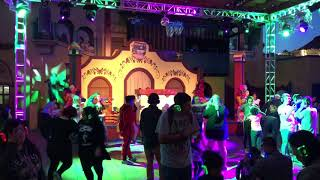 Silent Disco at Knotts Berry Farm. People Dancing while listening to music on Wireless Headphones!