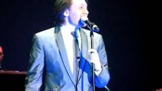 Mac the Knife by Clay Aiken, Bringing Broadway Home ( video by toni7babe)