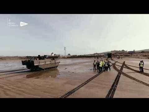 Pruebas anfibias del blindado británico Ajax de la variante Ares