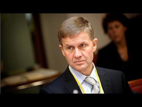العرب اليوم - شاهد : رئيس برنامج البيئة التابع لمنظمة الامم المتحدة يستقيل من منصبه